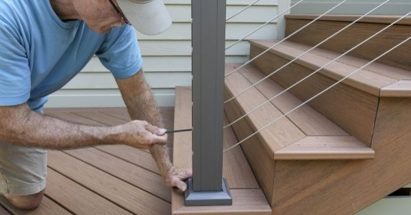 How To Tell When Your Wire Railing Needs To Be Replaced